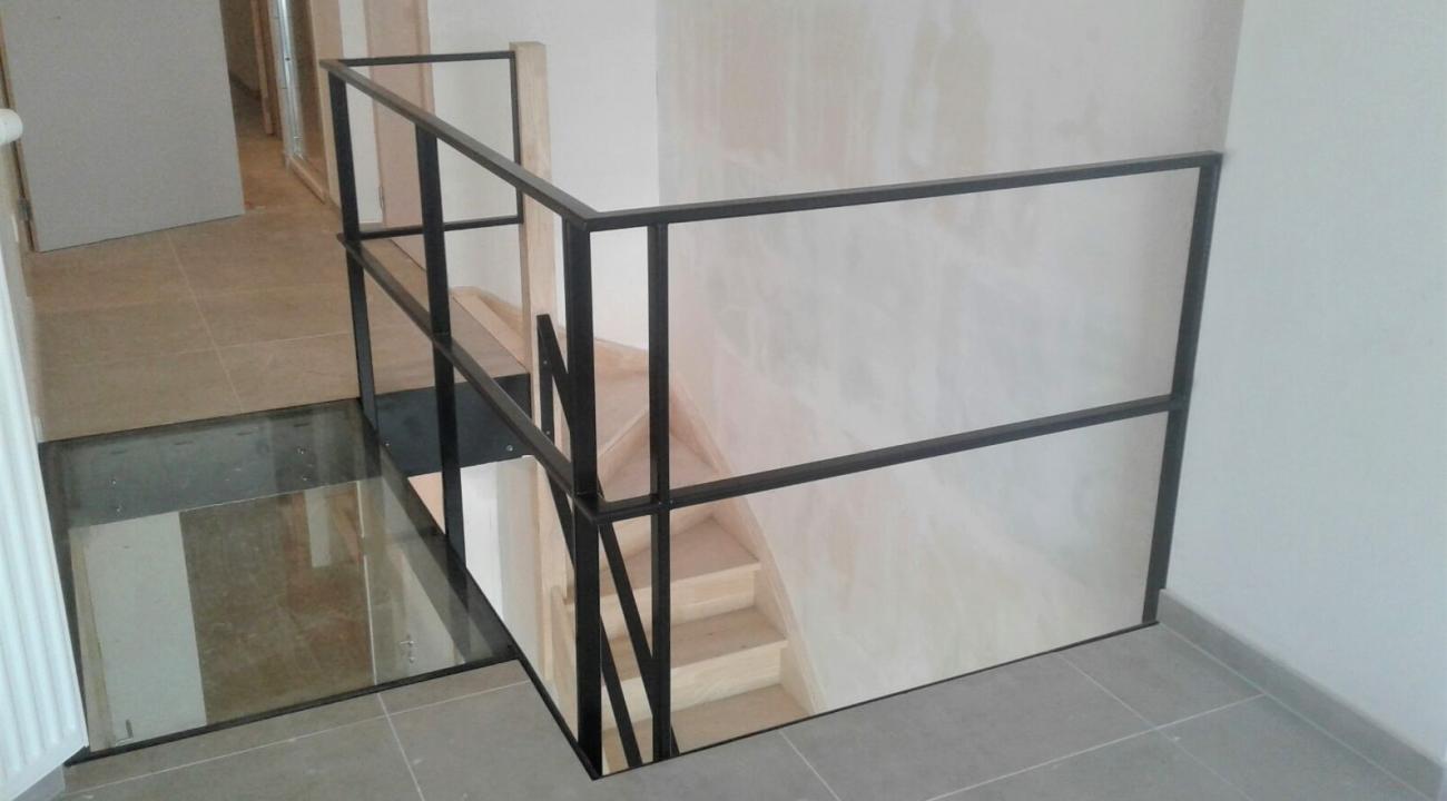 trapleuning + glazen vloerplaat