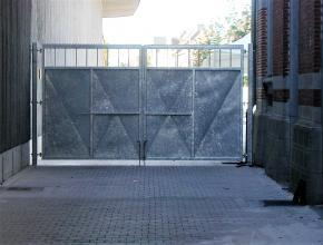 Stalen poort